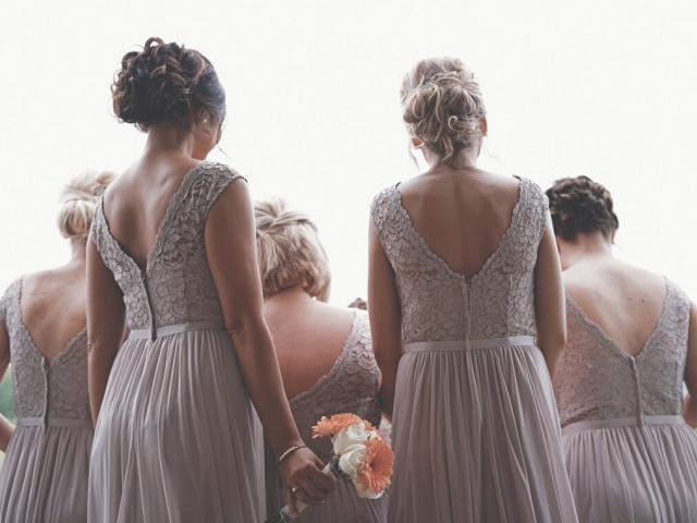 4 spôsoby, ako zladiť šaty družičiek na svadbu